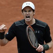 Murray nach Problemen bei French Open weiter