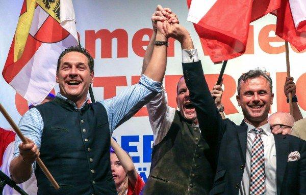 Ein Schweizer Politikexperte warnt vor einer FPÖ-Regierung.