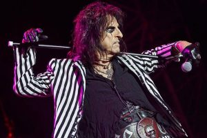 "Alice Cooper ging ins Wiener Haydn Kino: ""Pride and Prejudice and Zombies"""