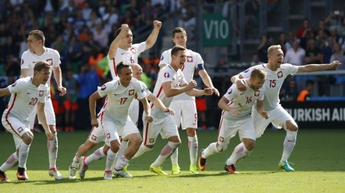 Polen schafft nach Elferkrimi den Einzug ins EURO-Viertelfinale