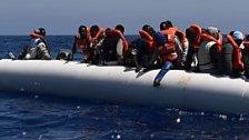 Über 800 Flüchtlinge vor Sizilien gerettet
