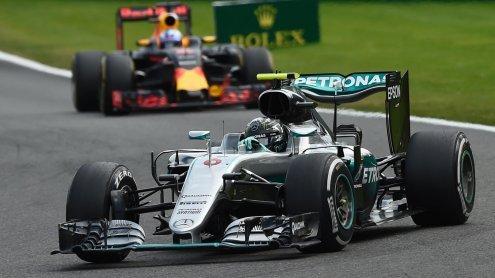 Spa: Chaotischer Belgien-GP geht an den Favoriten Nico Rosberg