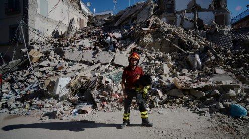 Notstand ausgerufen: Mehr als 250 Tote und viele Vermisste
