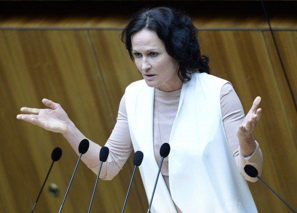 Die Grüne Bundessprecherin Eva Glawischnig veranlasste Privatanklagen wegen übler Nachrede