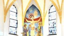 Altarbild in NÖ Kirche nach 50 Jahren enthüllt