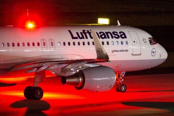 Die Lufthansa-Piloten weiten ihren Streik auf Donnerstag aus.
