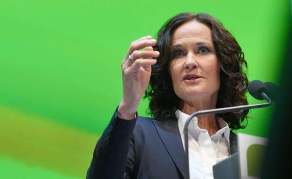 Rechtliche Schritte wegen Hasspostings gegen Grünen-Chefin Glawischnig