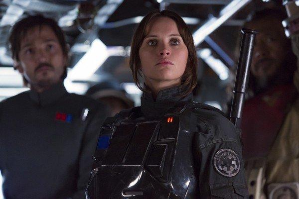 """""""Rogue One"""": """"Star Wars"""" kommt im Krieg an"""