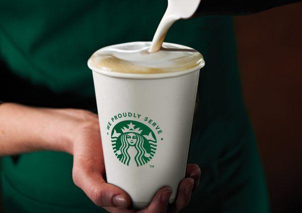 Starbucks und AIDA nun gemeinsam unterwegs.