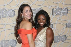 Sports Illustrated: Simone Biles und Aly Raisman im Bikini