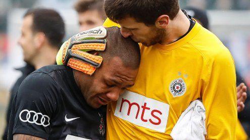 Rassismus-Skandal: Everton Luiz verläßt Spielfeld unter Tränen