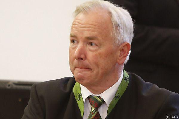 Dörfler entschlug sich zu Straßenbau-Vergaben der Aussage