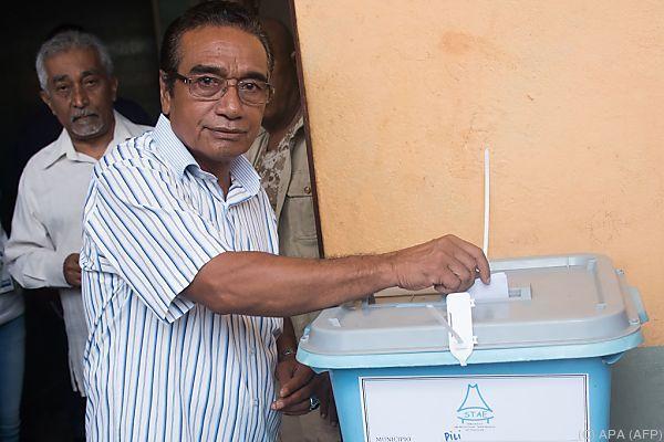 Favorit Guterres bei der Stimmabgabe