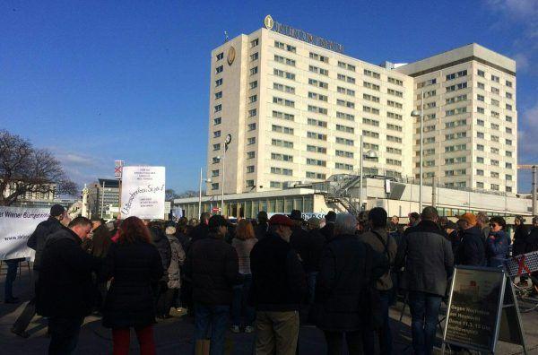 Bei der Demonstration gegen das Hochhausprojekt am Heumarkt