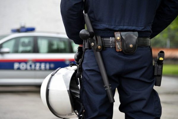 Die Polizei in Wr. Neustadt wisse, wer der Urheber der Bombendrohungen ist.