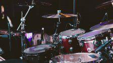 Betrüger gab sich als Nickelback-Drummer aus