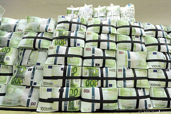 Der deutsche Fiskus soll um mehr als 10 Mrd. Euro betrogen worden sein