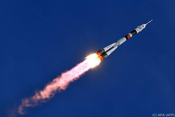 Rakete auf dem Weg zur Raumstation ISS