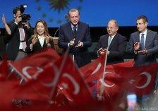 Türkei-Referendum: Erdogan liegt vorne