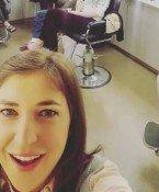 """Fieses Selfie: Dieses Foto von """"TBBT""""-Star Mayim Bialik gefällt Kaley Cuoco bestimmt nicht"""