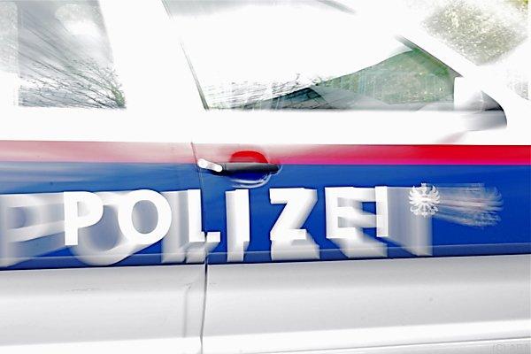 Polizei fahndet nach den Verdächtigen