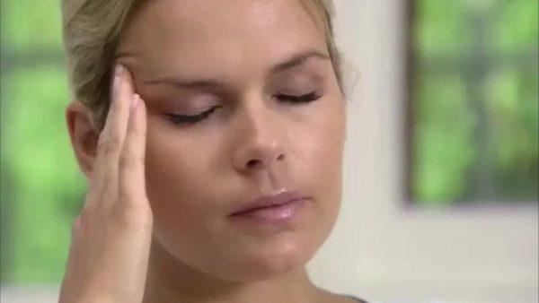 Überraschende Studie: Dieser beliebte Modetrend kann Migräne verursachen