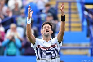 Djokovic in Eastbourne locker weiter