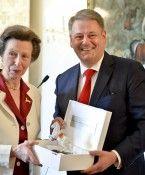 Großbritanniens Prinzessin Anne von Spanischer Hofreitschule ausgezeichnet