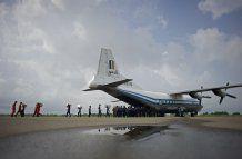 Flieger mit 100 Personen in Myanmar abgestürzt