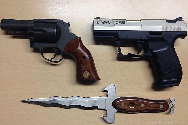 Waffen in Wohnung gefunden