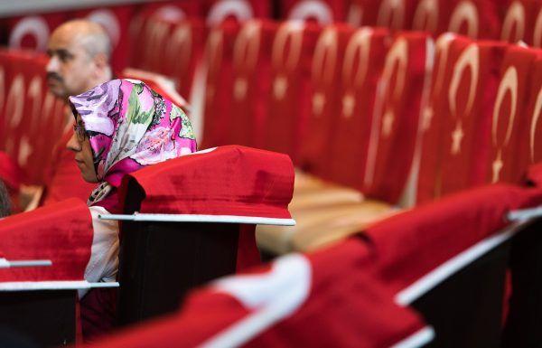 Vor Beginn der Gedenkveranstaltung in Wien-Liesing durften die Medien einen Blick in den Saal werfen.