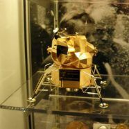 Diebe stahlen Apollo-Modell aus Neil-Armstrong-Museum