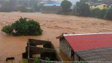 Überschwemmungen fordern bis zu 500 Tote