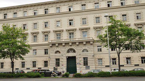 Frau am Heimweg überfallen: Bedingte Strafe für den Täter