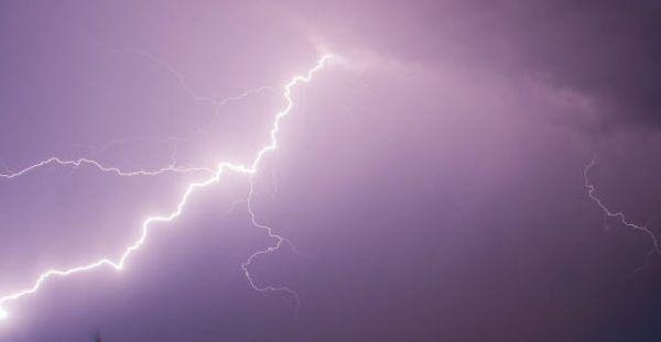 Blitz schlug gegen 20.15 Uhr in der Hütte ein