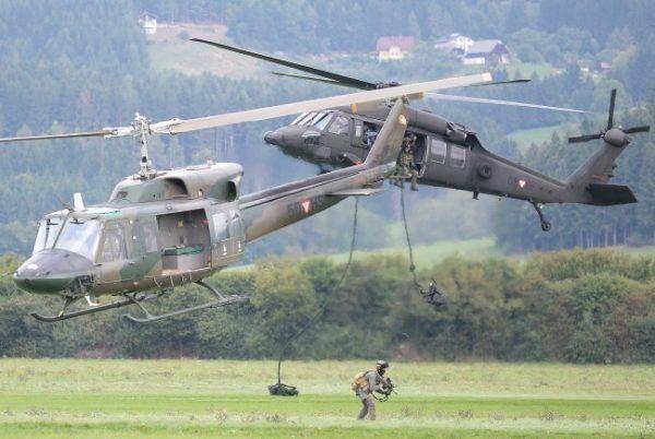 Bundesheer-Übung: Zusammenarbeit zwischen Land- und Luftstreitkräften bei Nacht wird trainiert