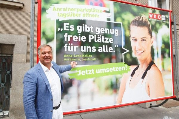 Walter Ruck stellt die Kampagne der Wirtschaftskammer Wien zur Öffnung der Anrainerparkplätze vor.