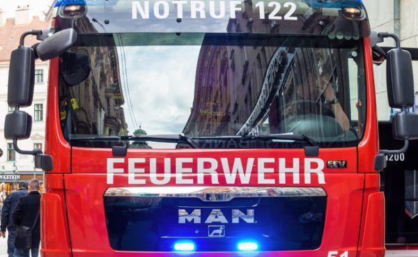 Die Feuerwehr befreite den Buben aus seiner Notlage.