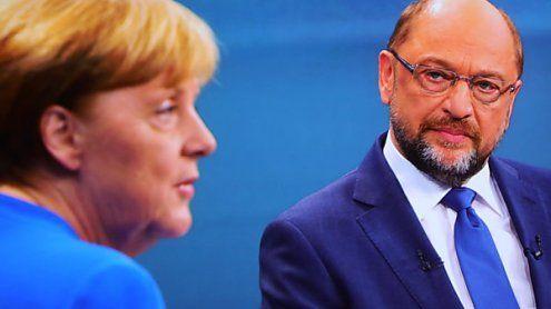 Schulz greift Merkel im TV-Duell bei der Flüchtlingspolitik an