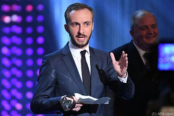 """Jan Böhmermann erhielt Auszeichnung für """"Menschen Leben Tanzen Welt"""""""