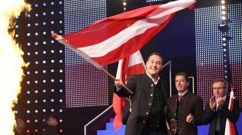 FPÖ-Wahlkampfauftakt: Warnung vor Islamisierung + Heimatverlust