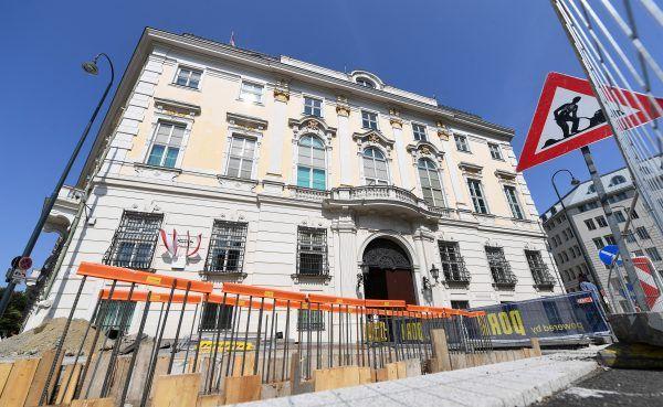 Die Anti-Terror-Mauer hält die politische Landschaft in Österreich weiter in Atem.