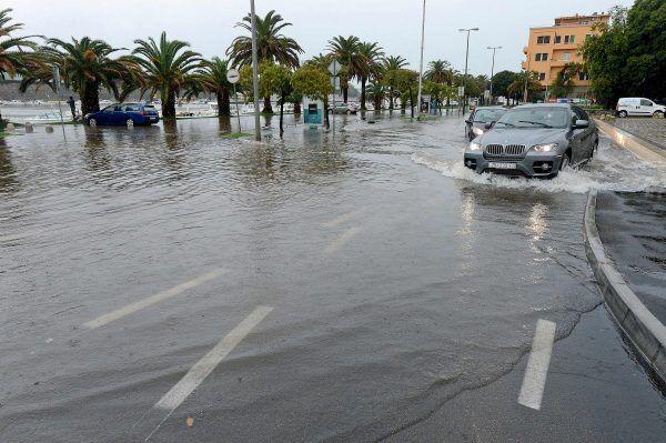 Schwere Unwetter sorgten für Überschwemmungen in der kroatischen Stadt Zadar.