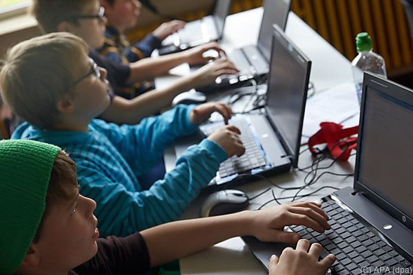 Kinder wachsen mit dem Computer auf