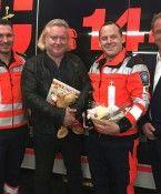 Gregor Seberg dankt Notfallsanitätern in Wien nach Hausgeburt seines Sohnes