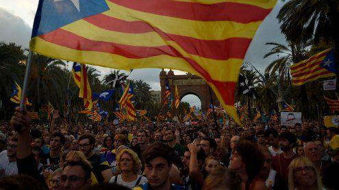 Madrid leitet die Entmachtungvon Kataloniens Regierung ein
