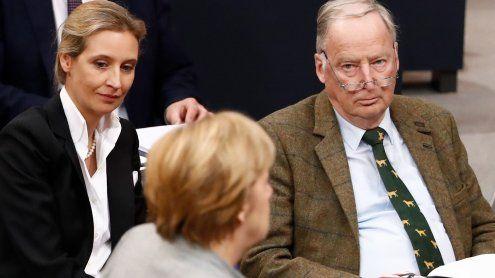 Sie sind da: AfD startet mit Eklats in den Deutschen Bundestag