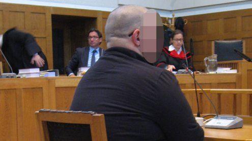 Dealerin erstochen: Vorarlberger muss wegen Mordeshinter Gitter