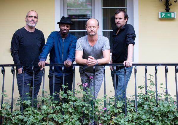 Die Sofa Surfers feiern ihr 20-Jahr-Jubiläum mit einem neuen Album.