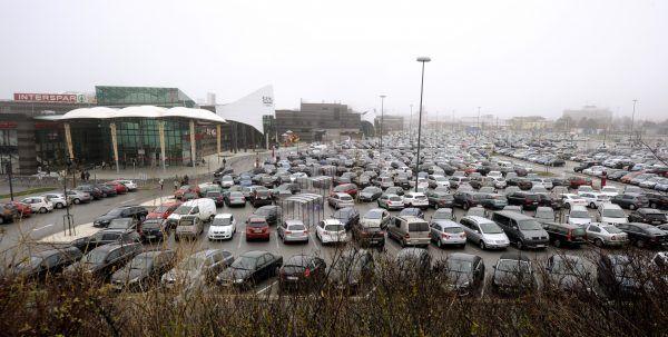 Am SCS-Parkplatz beging der 36-Jähriger mehrere Einbrüche